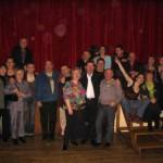 """La troupe des """"Joyeux Duglob"""" en compagnie de la troupe """"L'école buissonnière"""" de Verneville, venue assister au spectacle...."""